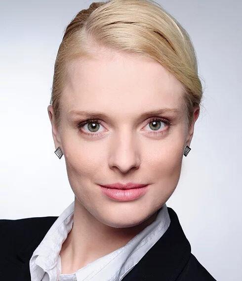 Diana Hannes